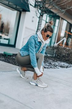 My Latest Obsession in Athleisure - Women's style: Patterns of sustainability Cute Sporty Outfits, Cute Athletic Outfits, Athletic Fashion, Sporty Style, Sport Outfits, Winter Outfits, Athletic Clothes, Sporty Chic, Rainy Day Outfits