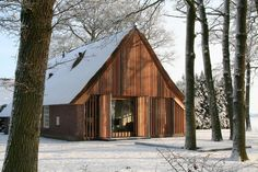 Renovation of an old farmhouse - Aequo Architecten [now Kwint Architecten] Modern Prefab Homes, Modular Homes, Small Buildings, Shed Homes, House Extensions, Wooden House, Simple House, Modern Architecture, My House