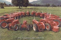 Holcik farm and neighbors tractor collection Antique Tractors, Vintage Tractors, Vintage Farm, Wheel Horse Tractor, Red Tractor, Tractor Photos, What Dreams May Come, Farmall Tractors, Tractor Pulling
