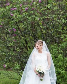 Bridal Portrait / Outdoor Spring Wedding by Wendy Zook Photography @ Highland Park, Rochester New York   #highlandpark #wendyzookphotography  #rochesterweddingphotographer #marylandweddingphotographer #frederickmaryland #bride #bridal #bridephotos #bridalphotos #cathedralveil