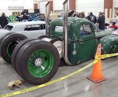 I'm just a sucker for Dually Rat Rods. Who's with me? #ratrodmaniacs #ratrod #ratrods #ratty #rusted #patina #dropped #slammed #bagged #chopped #dually #duallyratrod