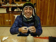 Ni los resfríos detuvieron el entusiasmo de Sebastián por compartir este espacio de creación en Lago Ranco.