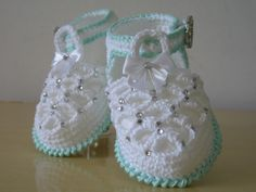Baby shoe bling                                                                                                                                                      Mais