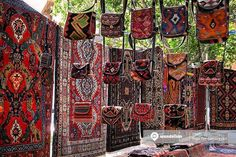 Yerevan Vernissage, a large open-air flea market near the Republic Square, to buy local souvenirs or traditional Armenian art works.   #Wandelion #Vernissage #FleeMarket #Armenia #Yerevan #ArtsandCrafts