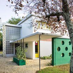 """Villa Spirou"", 41, rue du Dr Audoin, Royan. By René Baraton, Jean Bauhain and Marc Hébrard, 1959."