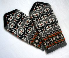 #Handknitted wool #mittens Warm wool mittens Winters #gloves Black gray ornament Elegant originally #rustic unisex #latvianmittens #etnicstyle