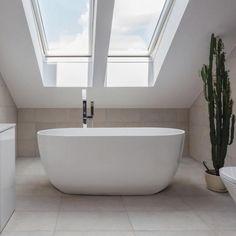 BC Designs Dinkee 1500mm Acrylic Freestanding Bath
