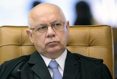 Por Eduardo Guimarães, no Blog da Cidadania STF obriga Câmara a ter 2/3 dos votos para abrir impeachmet #NãoVaiTerGolpe O ministro Teori Zavascki, do Supremo Tribunal Federal (STF), acaba de conced...