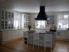 Härligt lantkök Ikea Lidingö Interior Design Kitchen, Interior Design Living Room, Living Room Decor, Kitchen Decor, Bedroom Decor, Kitchen Ideas, French Country Kitchens, Architecture Design, House Design