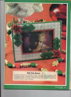 Canvas Picture Frames, Photo Canvas, Canvas Frame, Canvas Board, Plastic Canvas Christmas, Plastic Canvas Crafts, Plastic Canvas Patterns, Christmas Picture Frames, Christmas Pictures