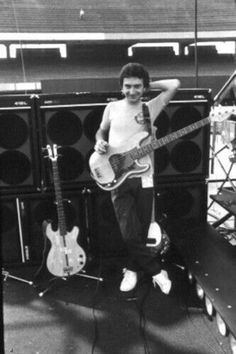 Everything John Deacon Queen Ii, I Am A Queen, Save The Queen, John Deacon, Queen Photos, Queen Images, Queen Pictures, Roger Taylor, We Will Rock You