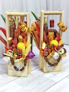 Best Ideas For Gifts Baskets Food Food Bouquet, Candy Bouquet, Cool Gifts For Teens, Edible Bouquets, Food Gift Baskets, Candy Flowers, Wine Decor, Christmas Gift Box, Basket Decoration