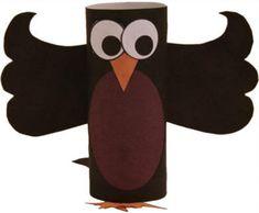 Crow toilet paper roll craft for preschool, kindergarten and elementary school children to make. Halloween Arts And Crafts, Preschool Arts And Crafts, Animal Crafts For Kids, Paper Crafts For Kids, Crafts For Kids To Make, Craft Stick Crafts, Craft Art, Bird Puppet, Paper Towel Roll Crafts