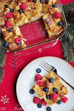 Overnight Eggnog French Toast Casserole by fivehearthome: Make-ahead breakfast for the holidays! #French_Toast #Eggnog #Overnight