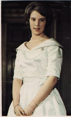 carolathhabsburg:  Princess Anne-Marie of Denmark (now Queen Anne-Marie of Greece) in her confirmation dress, 1961