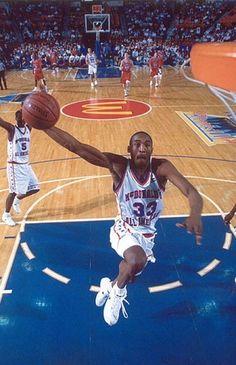 Kobe Bryant McDonalds All American Awesome High School Basketball, Love And Basketball, Sports Basketball, Basketball Players, Basketball Shoes, Kobe Bryant 8, Kobe Bryant Family, Kobe Bryant High School, Basketball