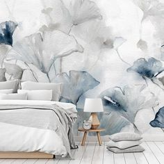 There's nothing blue about blue 💙 When selecting the right shade, it's charming and oozes wealth.For when you don't want to be overpowered by it, this floral mural by Carol Robinson is perfect! 😍 Originally created with watercolours, this wall mural is both sophisticated and soothing. Head to Wallsauce.com to find your not-so-blue blue wallpaper. #wallpaper Easy Home Decor, Home Decor Trends, Cheap Home Decor, Decor Ideas, Wall Ideas, Dining Room Wall Art, Room Wall Decor, Living Room Decor, Cheap Wall Art