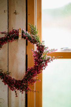Oh my wedding planners    El brezo es una planta muy agradecida que además de maravillosa en el campo, es muy decorativa en casa. Se suel...