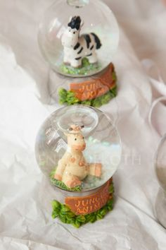 Μπομπονιέρα βάπτισης χιονόμπαλα ζωάκια Baptism Favors, Snow Globes, Home Decor, Decoration Home, Room Decor, Home Interior Design, Home Decoration, Interior Design
