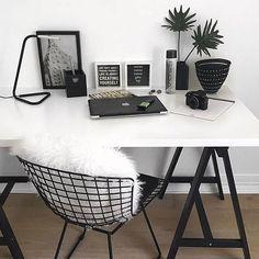 blanco y negro escritorio