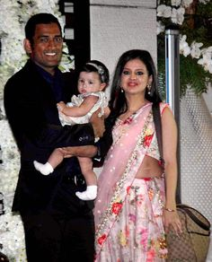 Mahendra Singh Dhoni with wife Sakshi and daughter Ziva Bollywood Girls, Bollywood Stars, Ms Dhoni Wife, Ziva Dhoni, Dhoni Quotes, Ms Dhoni Wallpapers, Ms Dhoni Photos, World Cricket, Chennai Super Kings