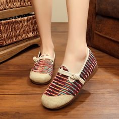 Stripe Chinese Embroidered Round Toe Buckle Flat Shoes