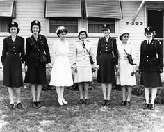 The service and dress uniforms worn in the US Army Nurse Corps in WWII.