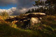 Dolmen de Pedra da Arca en Regoelle (Olveira).