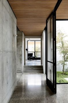 Bayside Melbourne Suburb Of Brighton Informations About Light Vault House by Chamberlain Architects – The Brighton Concrete Bunker Pin You Concrete Houses, Concrete Floors, Concrete Ceiling, Concrete Architecture, Interior Architecture, Melbourne Suburbs, Terrazo, Timber Ceiling, Up House