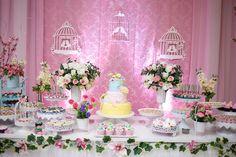 Decoração Jardim. Chá de frauda. Bebê, Rosa, Lindo. Mesa do bolo. Pássaros, cupcake