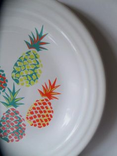 Fiesta® Dinnerware 'Pineapple' Luncheon Plate made exclusively for Belk Department Stores by Homer Laughlin China Company. White plate is decorated with Pineapple colors that coordinate with Fiesta® Poppy, Turquoise, Lemongrass, Flamingo and Sunflower | WorthPoint