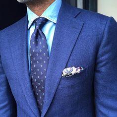 "danielmeul: #ootd #suit by @cesareattolini #shirt stone washed denim by @finamore1925 #tie ""Fleur-de-Lys"" by @pauwmannen #pocketsquare by @violamilano #bespoke #handmade #tailormade #pauw #pauwmannen (bij PAUW Official - Pauw Mannen Luxury Tailoring)"
