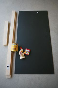 Super Simple XL Chalkboard I used magnetic primer on a MDF to make it magnetic before putting chalkboard paint on it. I should have used a piece of sheet metal instead (maybe with MDF to support it). Make A Chalkboard, Kitchen Chalkboard, Magnetic Chalkboard, Chalkboard Ideas, Outdoor Chalkboard, Chalkboard Drawings, Chalkboard Lettering, Large Framed Chalkboard, Chalkboard Frames