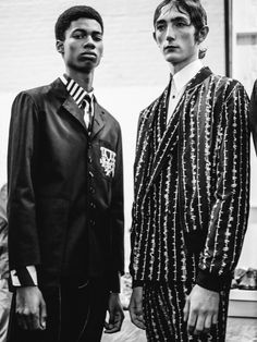 Barbed wire tailoring at Alexander McQueen SS16 LCM. Photography Chloe Le Drezen.