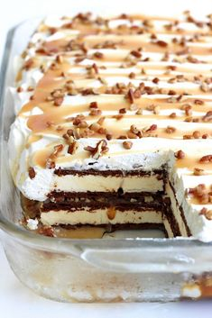 Ice Cream Deserts, Ice Cream Treats, Ice Cream Recipes, Ice Cream Cakes, 13 Desserts, Frozen Desserts, Delicious Desserts, Frozen Treats, Food Cakes
