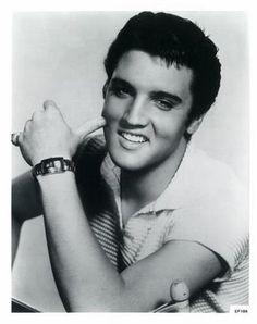 Google Afbeeldingen resultaat voor http://2.bp.blogspot.com/_Dz4ldCnk7DI/SMCNPPG_0DI/AAAAAAAAAB8/tfUQqREgjTE/s400/Elvis-Presley-Photograph-C10043622.jpg
