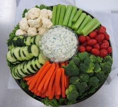 52 ideas birthday food for adults appetizers veggie tray Party Food Platters, Veggie Platters, Party Trays, Food Trays, Veggie Tray, Vegetable Trays, Appetizers For Party, Appetizer Recipes, Christmas Appetizers