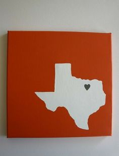 DIY Texas outline on painted canvas. Would be cute for the office.