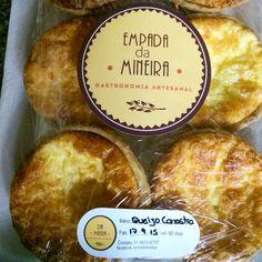 Vamos sentir saudades da empada de queijo canastra! ⛱✌️ Entregamos nossos produtos em São Miguel do Gostoso - RN Encomendas/pronta entrega pelo telefone/whatsapp: 031 98336757 - Juju ⛱Email: quitandamineira@gmail.com Facebook.com/damineira Instagram.com/damineira Pinterest.com/damineira   #damineira #empadadamineira #empada #quitandamineira #gastronomiamineira #saomigueldogostoso #riograndedonorte #quitanda #culinariamineira #artesanal #organico #vempragostoso #