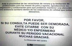 Impresionante cartel en el Centro de Salud de la Avenida de Daroca de Madrid