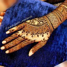 Did this on 27jan #hennadesign #indianbride #instahenna #bodyart #Mehandi #mehendi #gulfhenna #henna #henne #saudibride #learnhenna #mehndi #mehndidesign #wedmegood #weddingsutra #destinationwedding #indianwedding #mehndilove #punjabiwedding #punjabibride #henna2017 #hennaart #hennatattoo #mehndi2017 #hennainspiration #bridalmehendi #dulhanmehendi #bridaldesign #Regram via @kamaljeets_mehendi