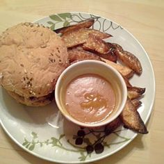レシピとお料理がひらめくSnapDish - 3件のもぐもぐ - Pan fried chicken breast on a multi grain Kaiser roll with potato wedges and chip shop curry sauce. by Fe's kitchen