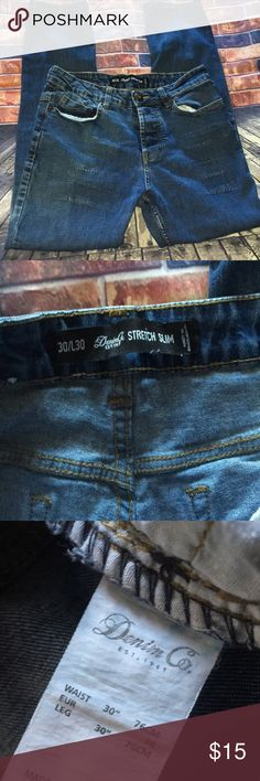 Denim Co. skinny jeans Denim co. skinny jeans button fly 30 waist 30 long. Skinny with distressed front please see pictures. Please share and follow that I may follow you too! denim co. Jeans Skinny