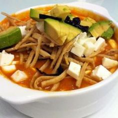 Sopa de tortilla exquisita - See Tutorial and Ideas Authentic Mexican Recipes, Mexican Food Recipes, Mexican Tortilla Soup, Mexican Dishes, Mexican Cheese, Healthy Recipes, Soup Recipes, Cooking Recipes, I Love Food