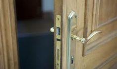Servicio 24 horas en aperturas de puertas! cerrajeroslaeliana.com