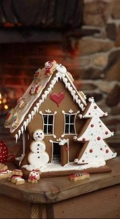 Instructions: Christmas - DIY Home Decor Christmas Gingerbread House, Cabin Christmas, Christmas Mood, Christmas Sweets, Noel Christmas, Christmas Baking, Christmas Cookies, Christmas Decorations, Gingerbread Houses