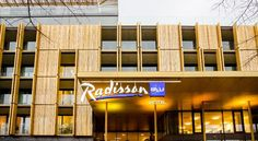 Radisson Blu Park Royal Palace Hotel Vienna is right next to Viennas Technical Museum and just a walk from Schönbrunn Palace. Radisson Blu Park Royal Palace Hotel Vienna Vienna Austria Penzing R:Vienna (state) hotel Hotels Mini Bars, Palace Hotel, Royal Palace, Vienna Hotel, Vienna Austria, New Builds, 4 Star Hotels, Good Night Sleep, Front Desk
