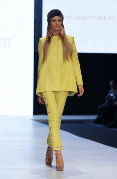 Creación de la marca colombiana Leal Daccarett para la temporada otoño e invierno 2013-2014 presentada durante la décimo segunda edición del Círculo de la Moda de Bogotá.