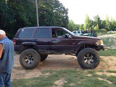 love these old ZJ's.  Jeep Grand Cherokee ZJ