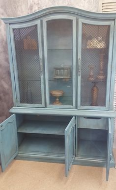 I Bought This Stanley China Hutch For 40 And Upcycled It With Annie Sloan Old White Chalk Paint At The End Of Da